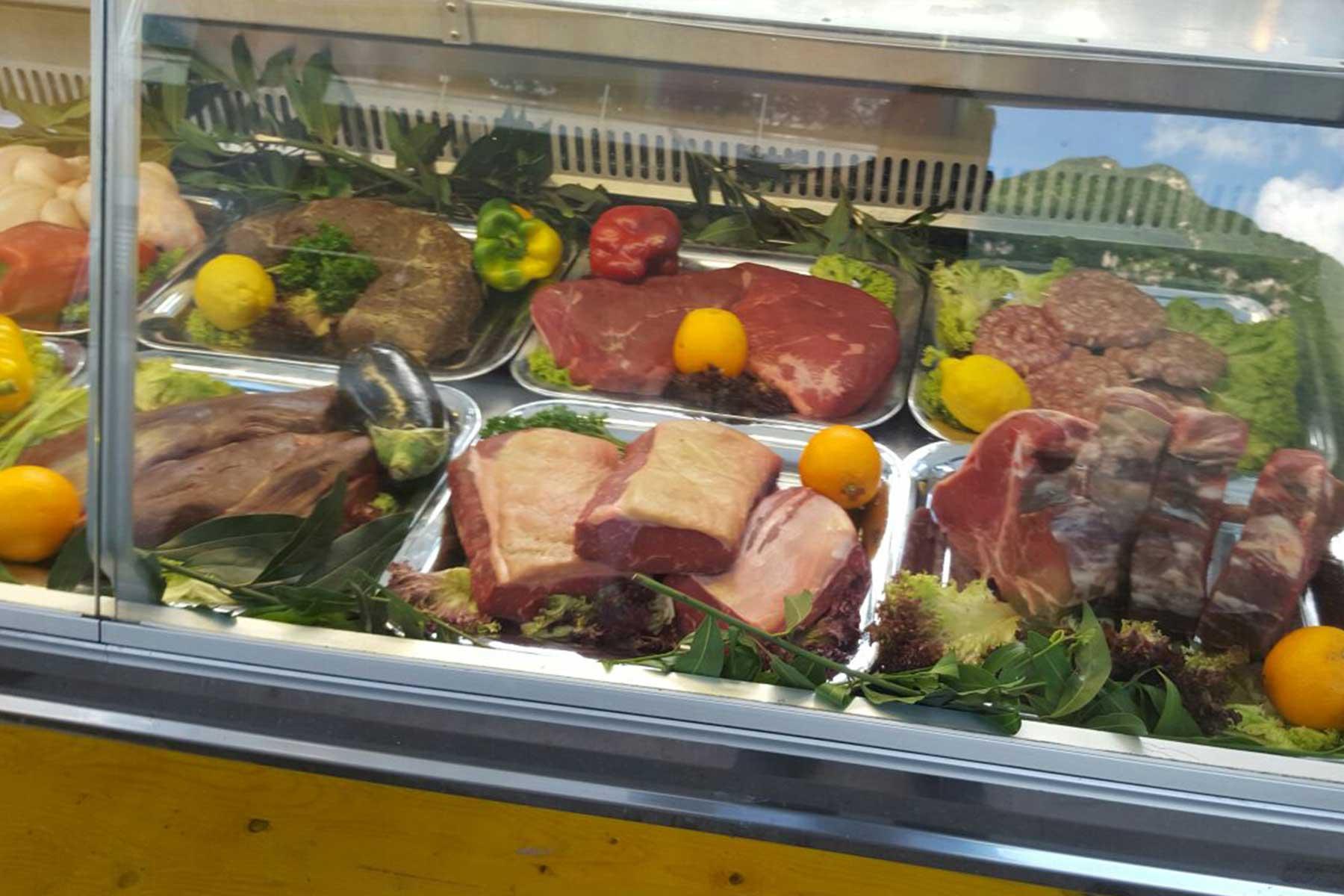 vasta scelta di carne alla griglia canton ticino riva san vitale